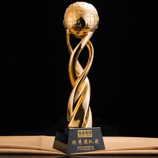 Gold Color Resin Crafts Resin Earth Globe Trophy