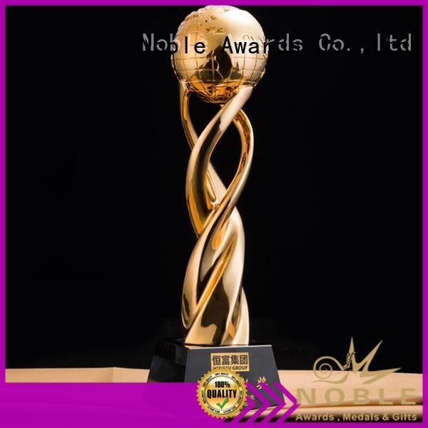 Noble Awards Top grade A Resin custom made Resin trophies with Gift Box For Gift