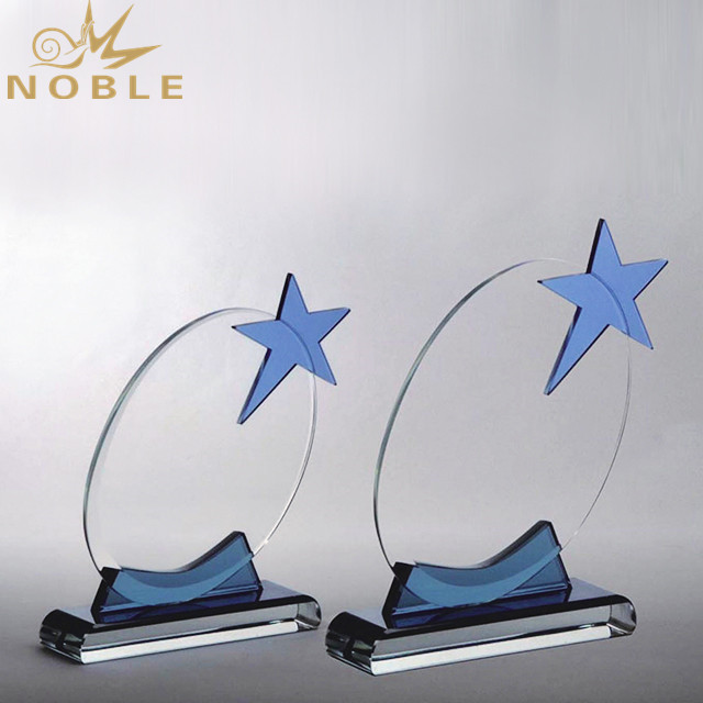 2019 New Design Cheap Star Crystal Trophy