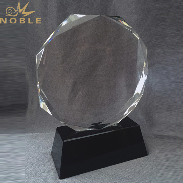 2019 China Trophy Custom Crystal Glass Material Award Trophy With Gift Box