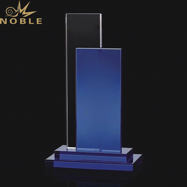 2019 Noble Hot Selling Wholesale Cheaper and Clear Custom K9 Crystal Trophies and Medals China