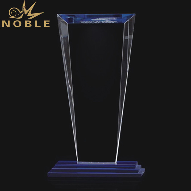 Wholesale Promotion Clear Optical Blank Shield Crystal Awards Crystal Trophy With Base For Rewards