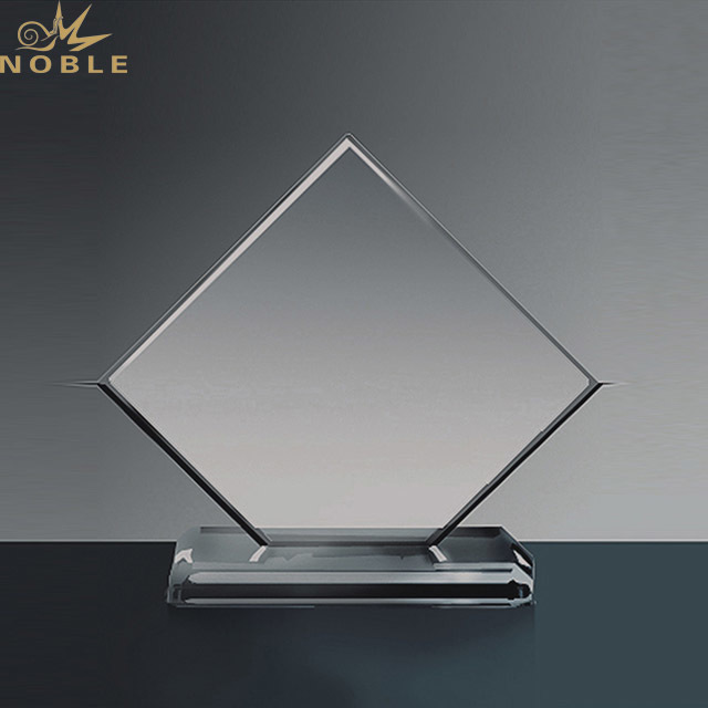 Noble New Design Customize Creative Cheap Crystal Trophy For Event Gifts