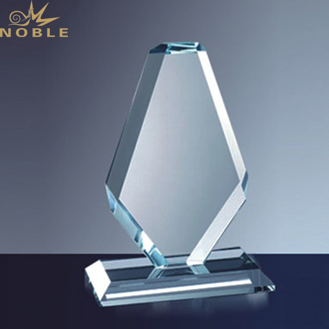 2019 High-Grade Exquisite Custom Crystal Trophy Award from China Factory