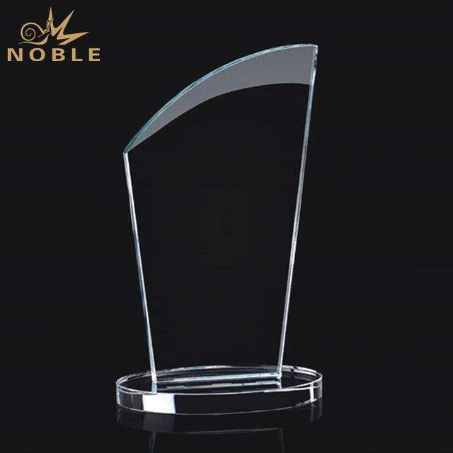 Hot Sale Customized Logo Crystal Trophy On Circle Base