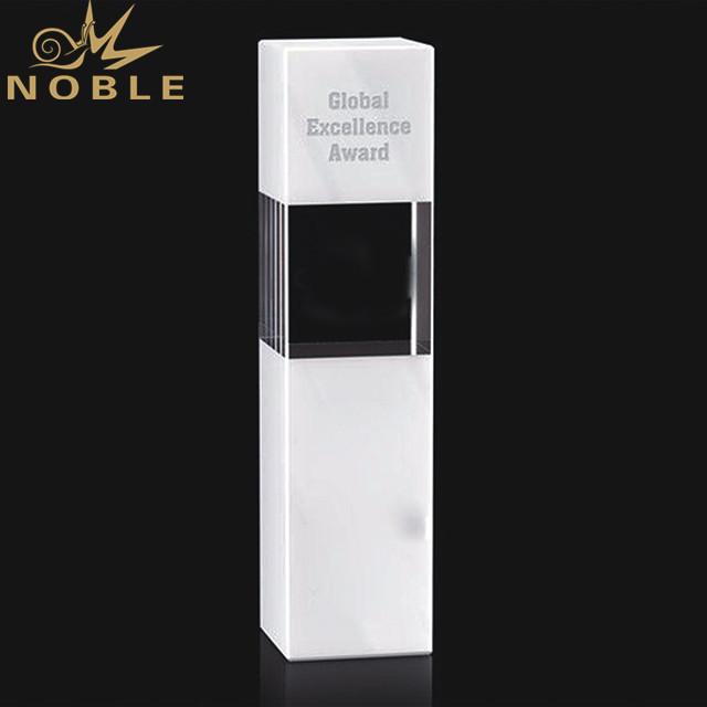 Wholesale Custom Award Crystal Trophy With Engraved Logo