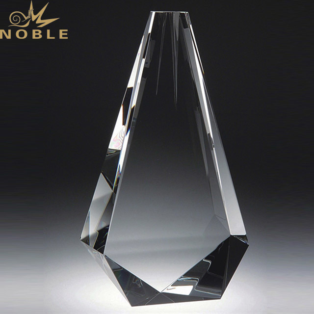 2019 Noble Wholesale Hot Sale Glass Crystal  Award Trophy In China