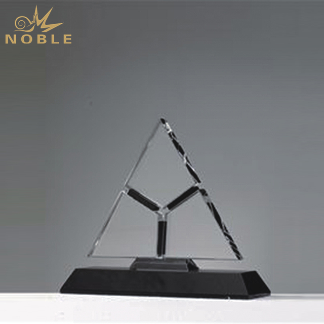 New Design Crystal Award With Engraved Logo