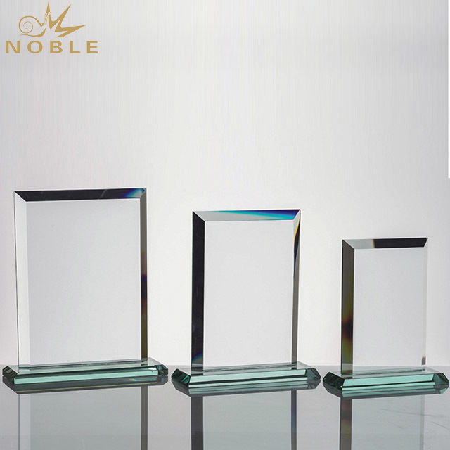 2019 Noble Crystal Trophy Acrylic Award Manufacture with Engraved Logo