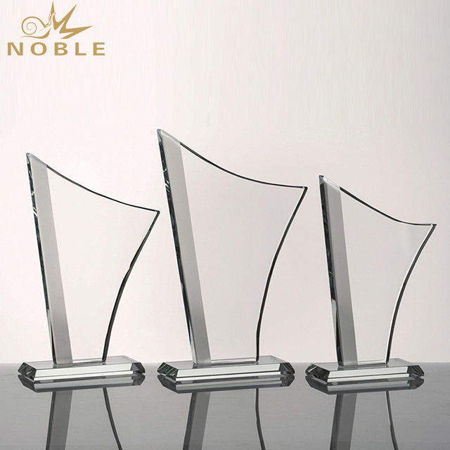 2019 Noble Professional Crystal Diamond Trophy Crystal in China