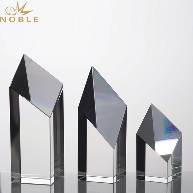 2019 Noble High-Grade Exquisite New Products Crystal Trophy For Company Sales Awards