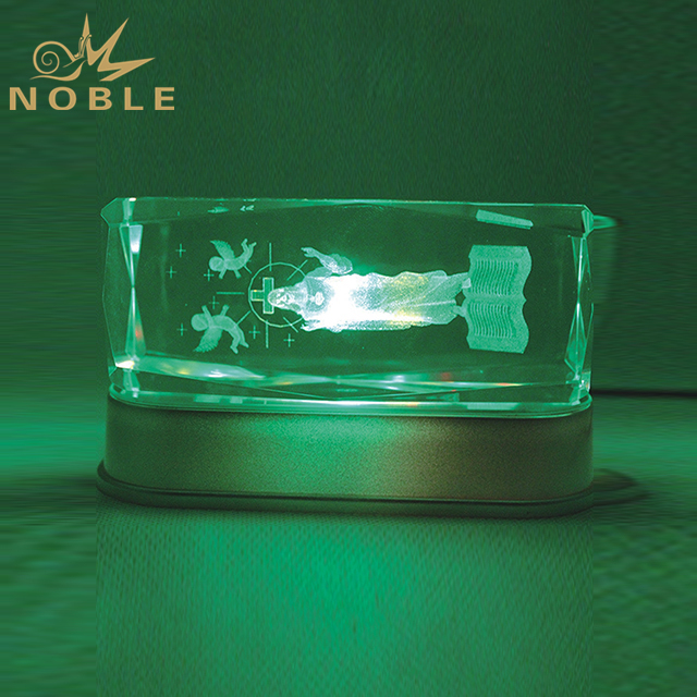 Customized Engraving Crystal Cube With Silver LED Base