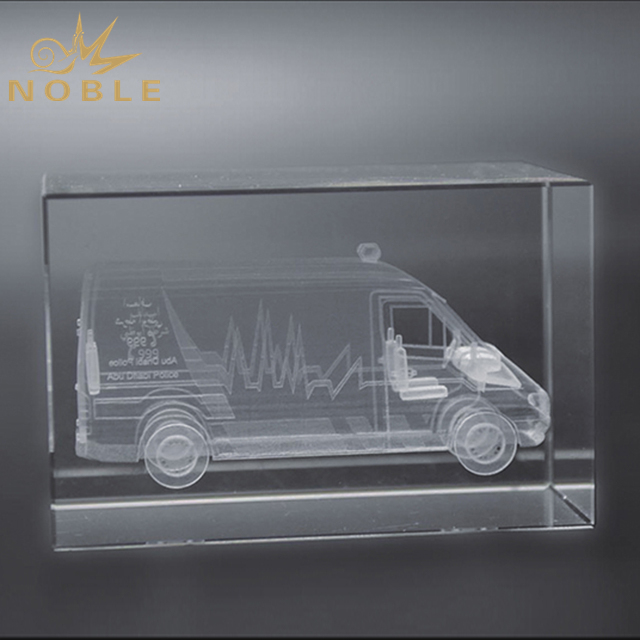 Laser Engraved 3D Truck Crystal Cube For Souvenir