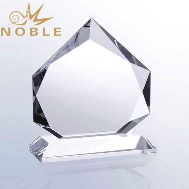 Diamond faceted custom engraving crystal award trophy