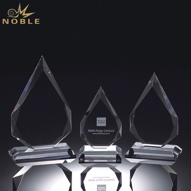 2019 Noble Newest Custom Crystal Trophy Souvenir Manufacturer in China