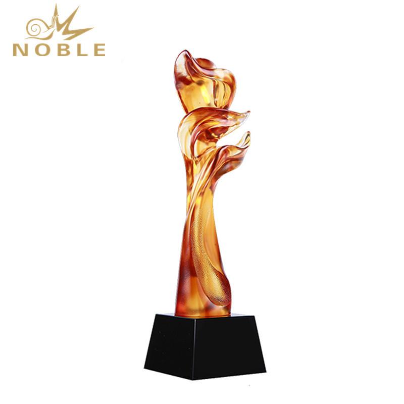 High Quality Custom New Design Liuli Colored Glaze Trophy
