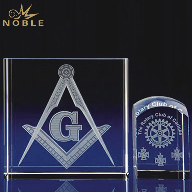 2019 Noble Customized Design Wholesale High Quality 3D Laser Crystal Trophy