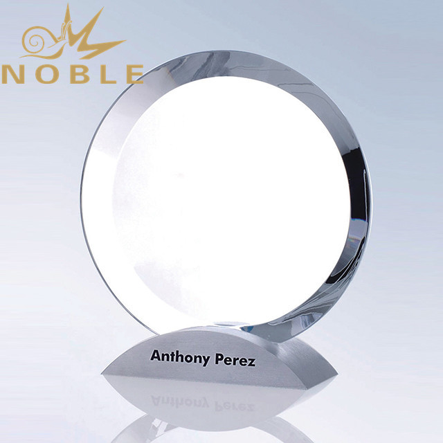 Crystal round plaque with Alumimum base