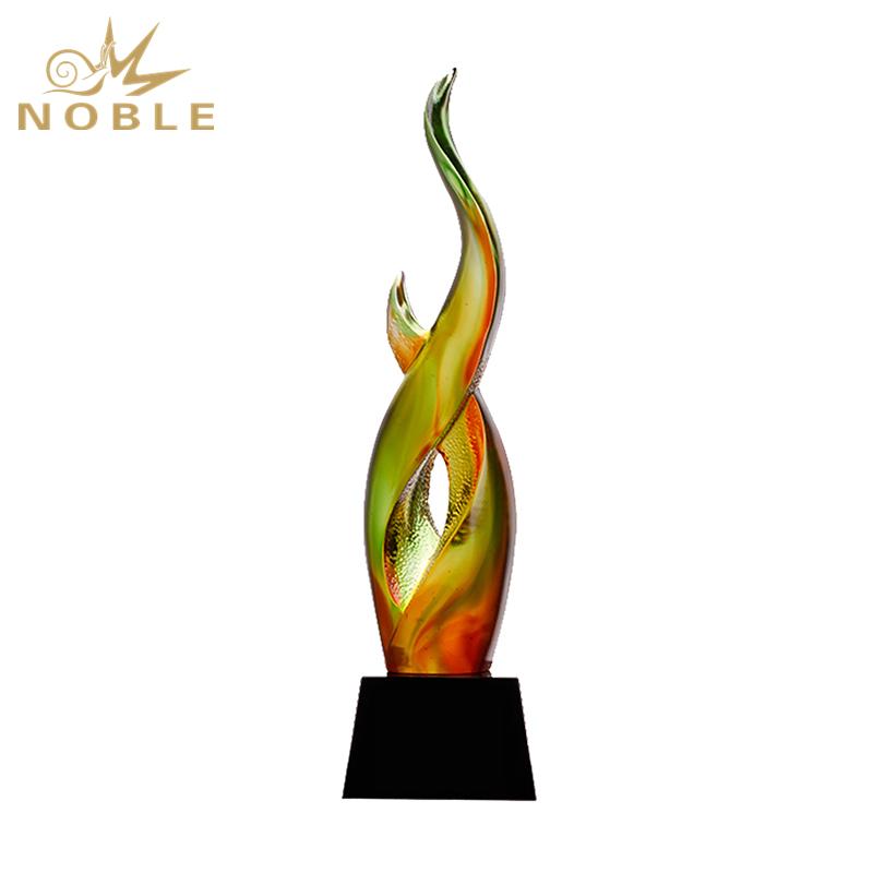 High Quality Custom Liu Li Trophy On Crystal Base