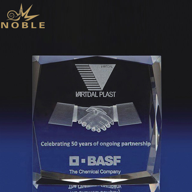2019 Noble 3d Laser Engraved Cooperate Crystal Glass Trophy