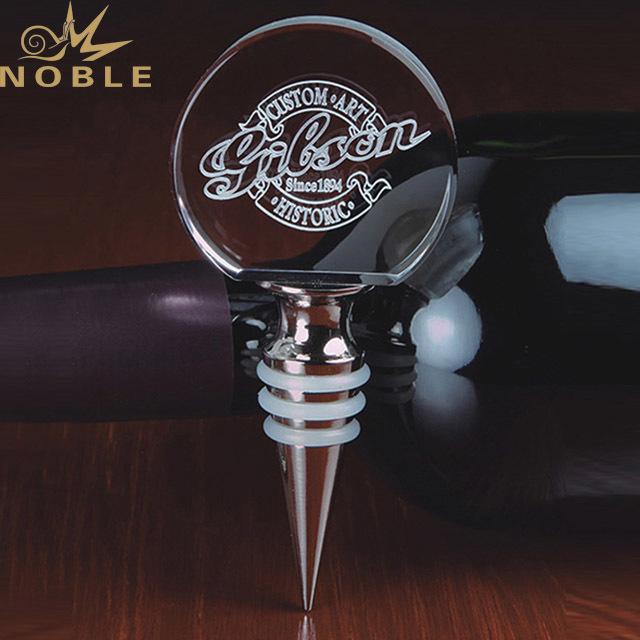 2019 New Design 3D Laser Engraving Exquisite Bottle Opener for Friend Gifts