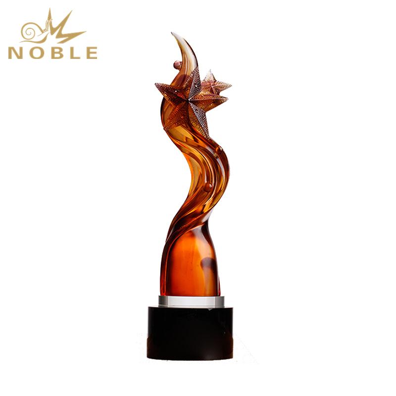 New Design Amber Colored Liu Li Star Trophy