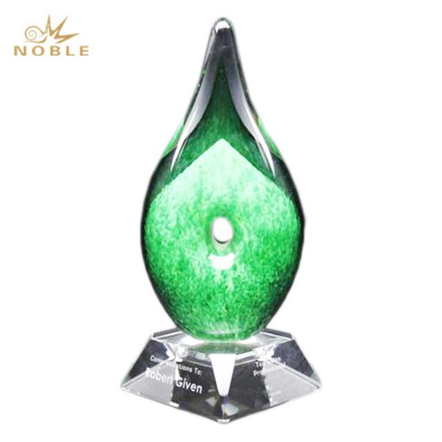 Wholesale Fashion Liuli Glass Art Sculpture Trophy