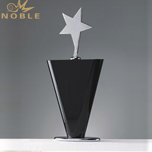 Star Crystal Trophy And Award Metal With Black Crystal Base