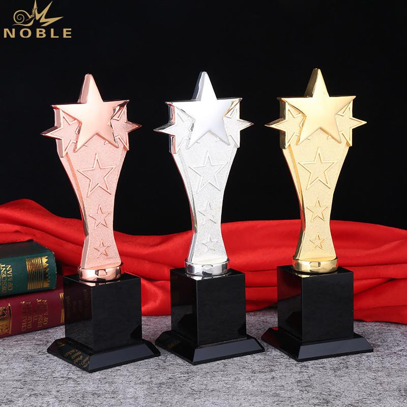 Customized Crystal K9 Metal Star Trophy Award Souvenir Craft