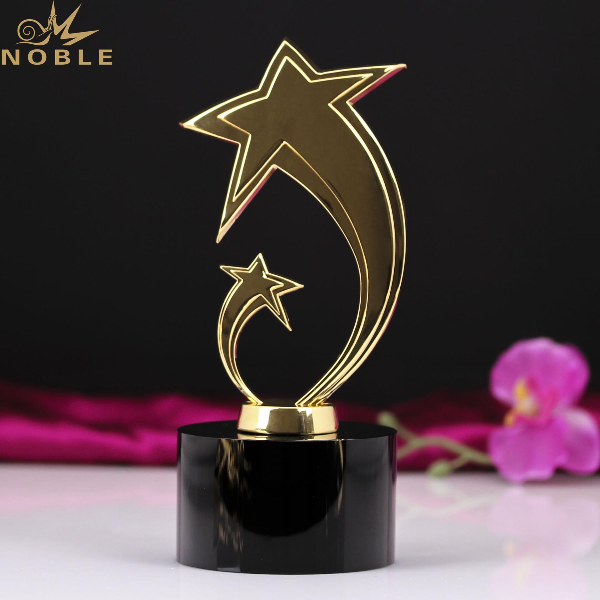 Cheap Black Crystal Base Gold Metal Star Trophy Award Wholesale