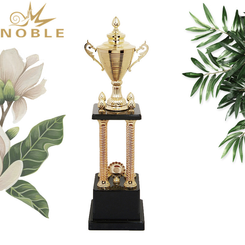 High quality best selling Sports metal Cup Trophy for outstanding player