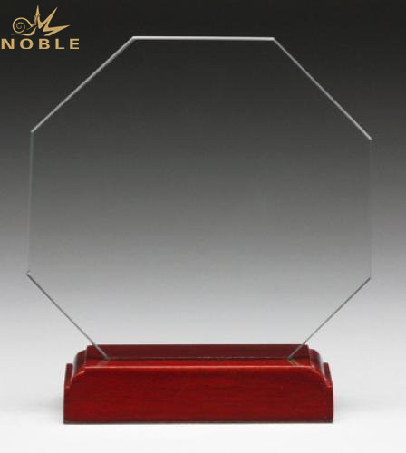 China New Design Personalized Achievement Award Crystal Trophy
