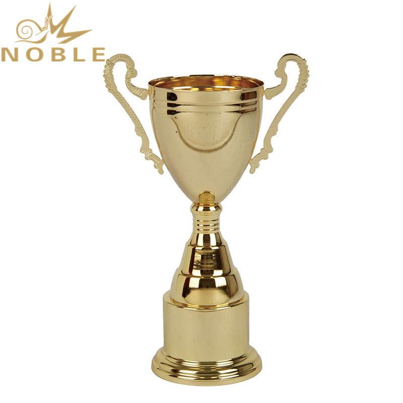 High quality finishing four sizes custom logo Metal Cup Trophy