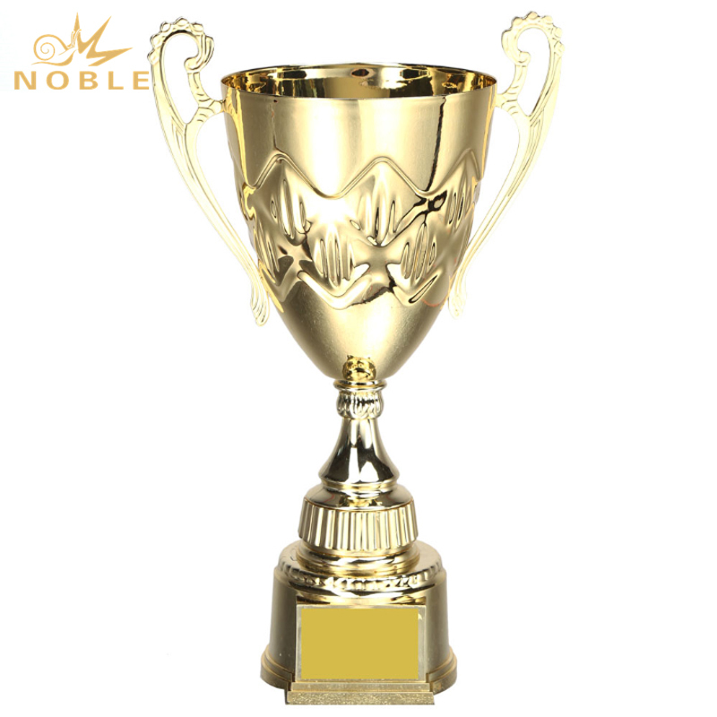 Popular New Design High Quality Metal Cup Trophy
