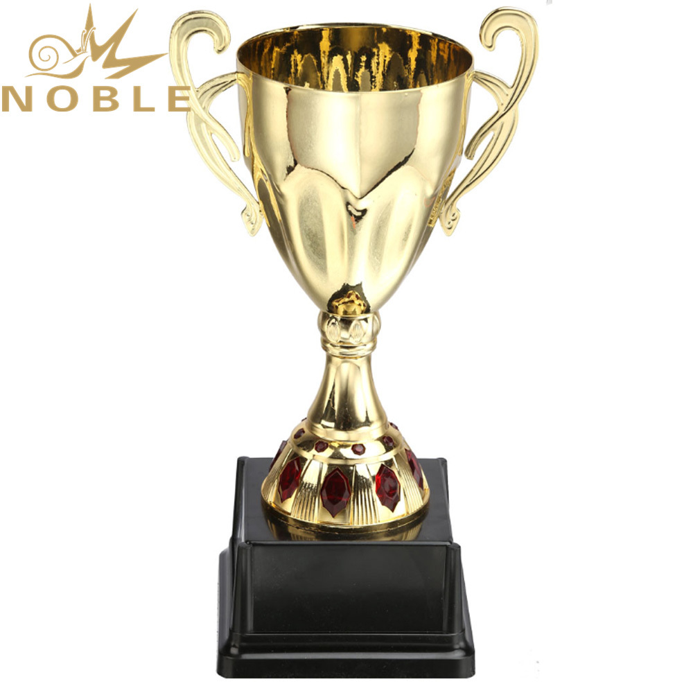 Cheap Price Different Size High Quality School Student Metal Cup Trophy