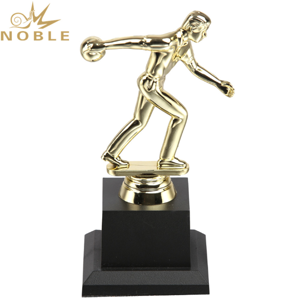 New Design Plastic Figurine Award Custom Sports Bowling Trophy