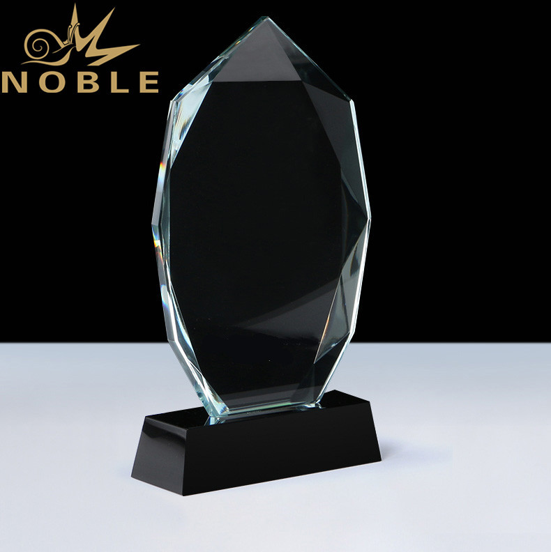 Noble High Quality Diamond Cutting Crystal Plaque Award with Custom Base