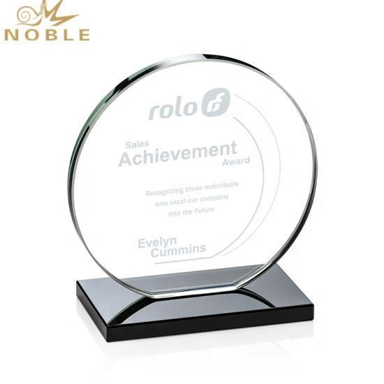 High Quality Creative Custom Round Crystal Trophy Award