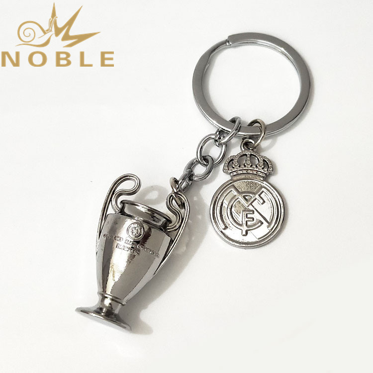 Football Fans Support Gifts UEFA Champions League Trophy Metal Keychain with Badge for Real Madrid Club De Fútbol