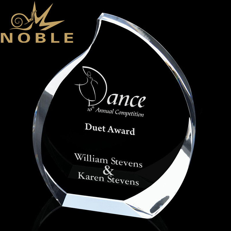 Popular New Design Best Selling Clear Optical Crystal Award with Custom Engraving