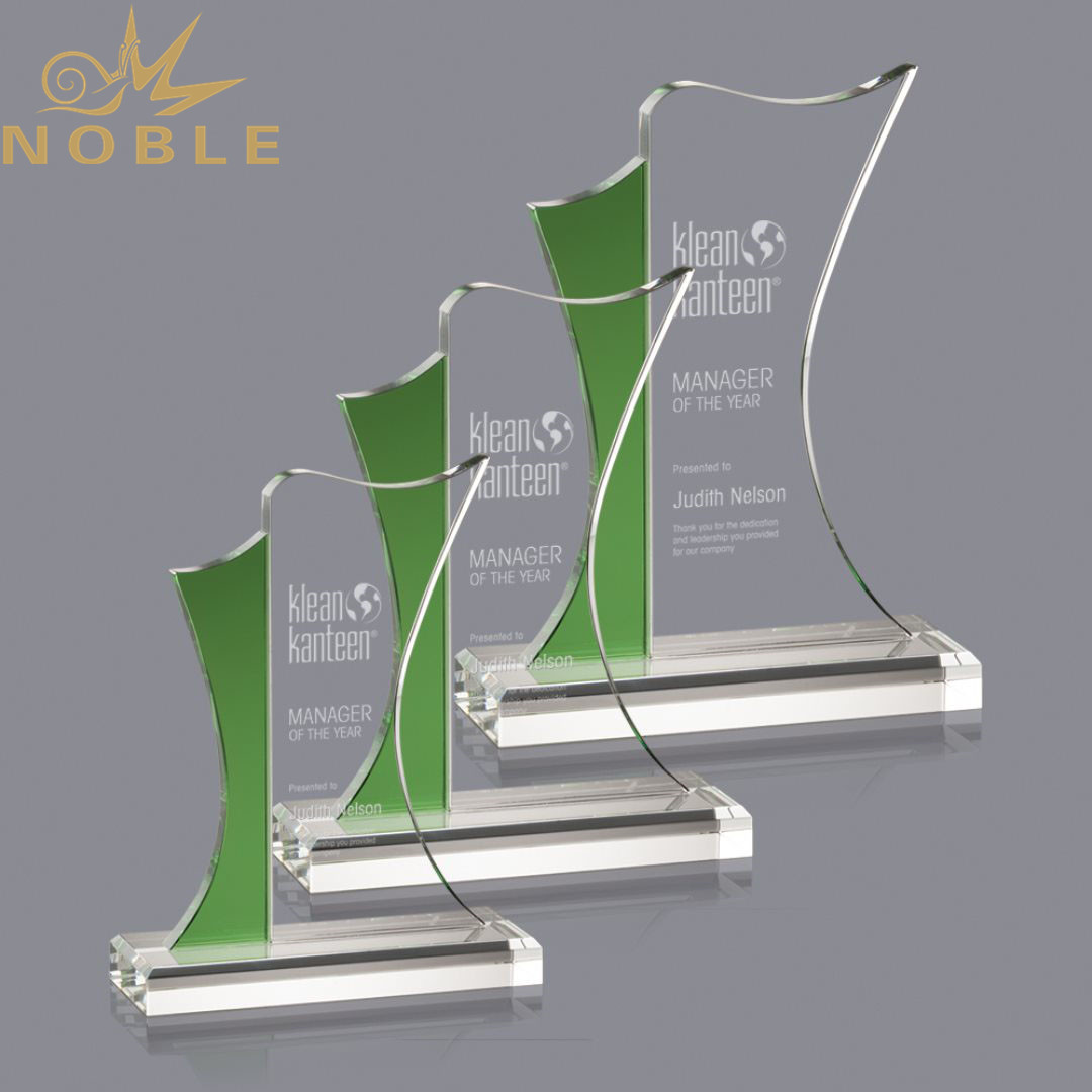 Noble New Design Custom Crystal Plaque Trophy with Green Edge