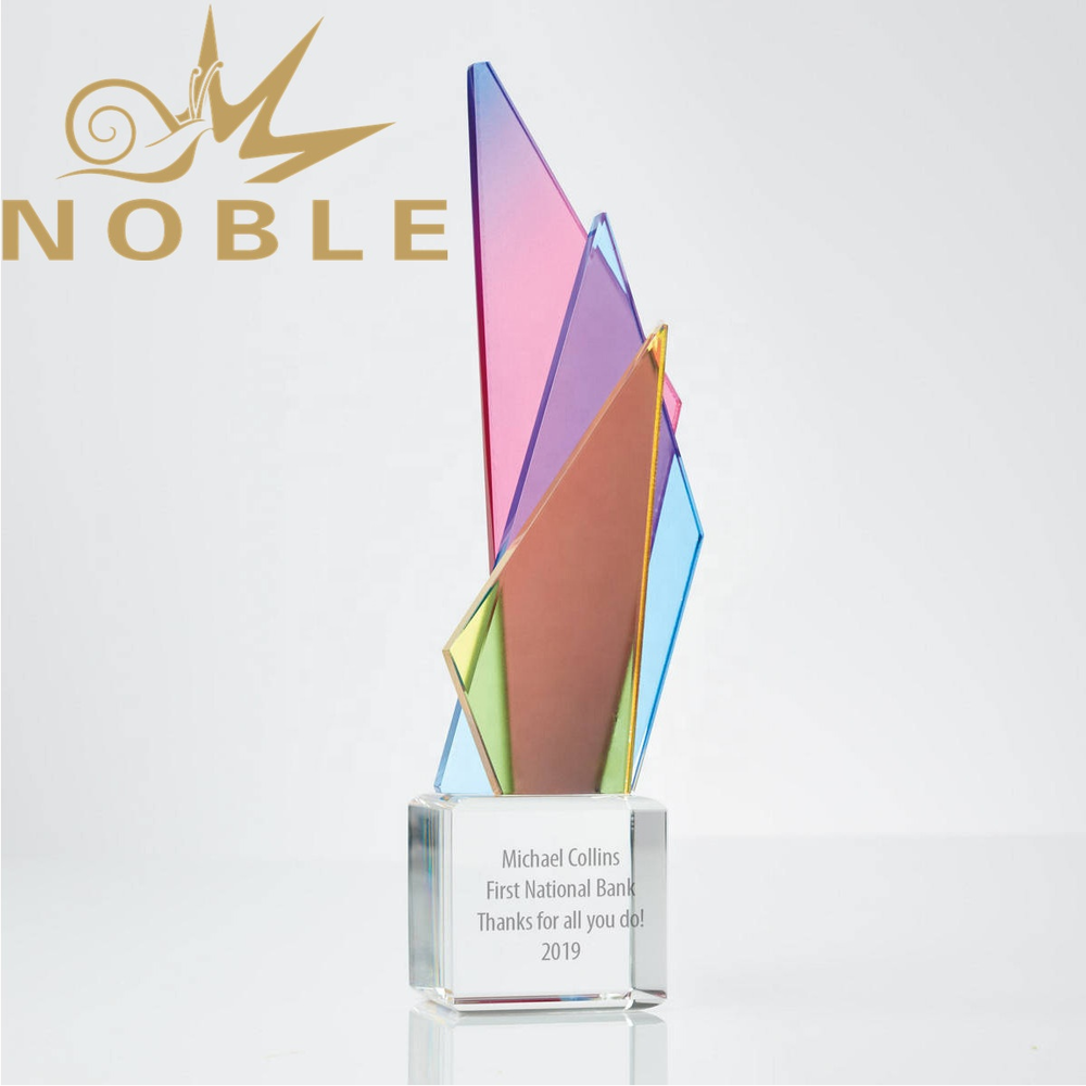 New Design Color Printing Custom Crystal Triangle Tower Award Trophy