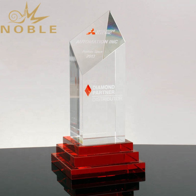 Hot Selling New Design Custom Clear Red Crystal Award