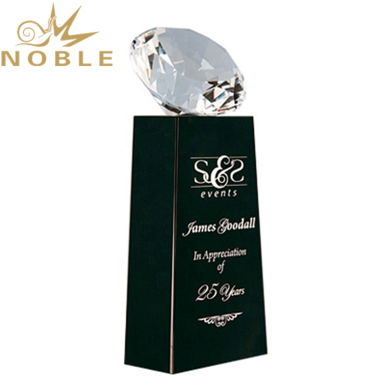 Excellent new design best selling custom Diamond Crystal Award on Black Base