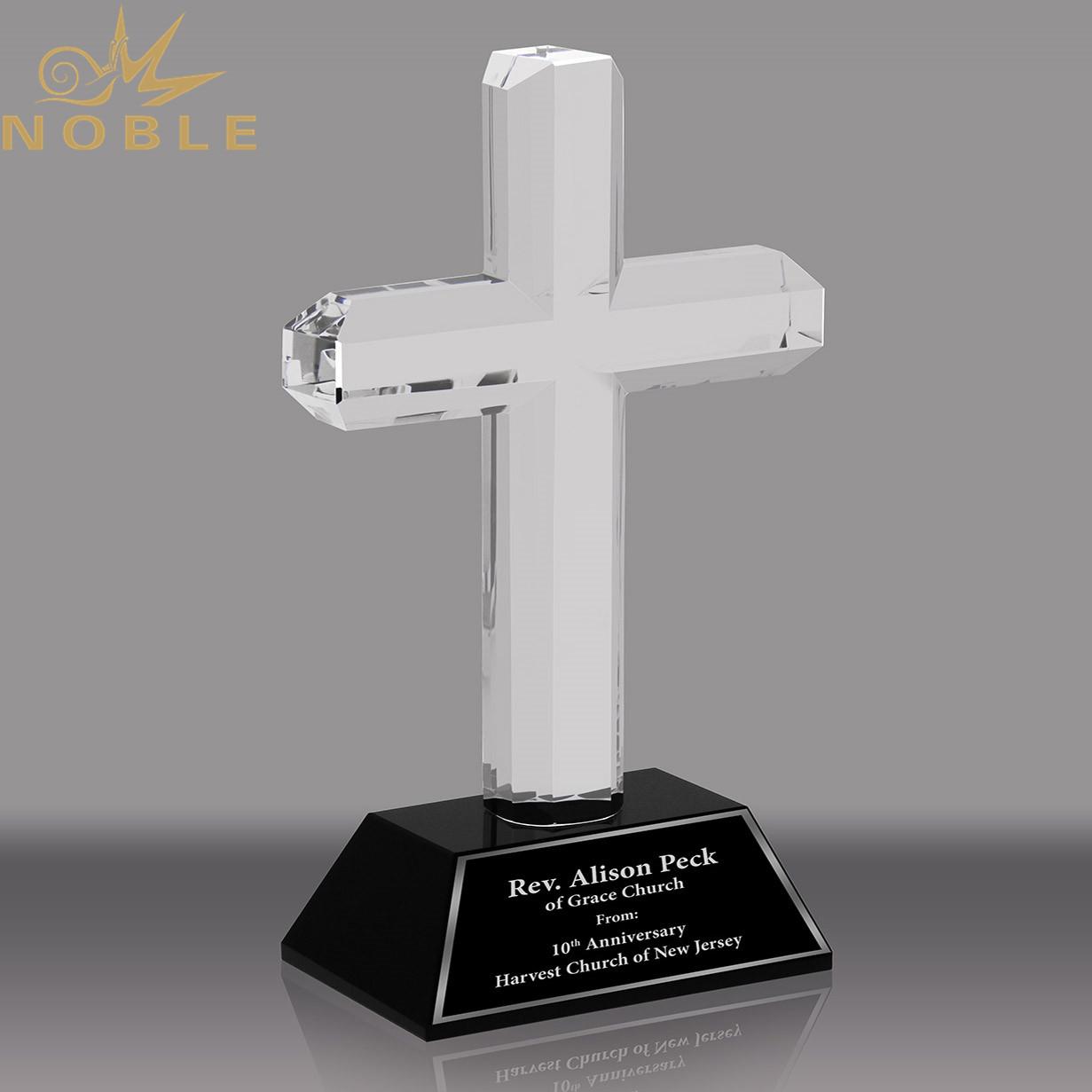 Noble Custom Crystal Cross Award with Black Crystal Base