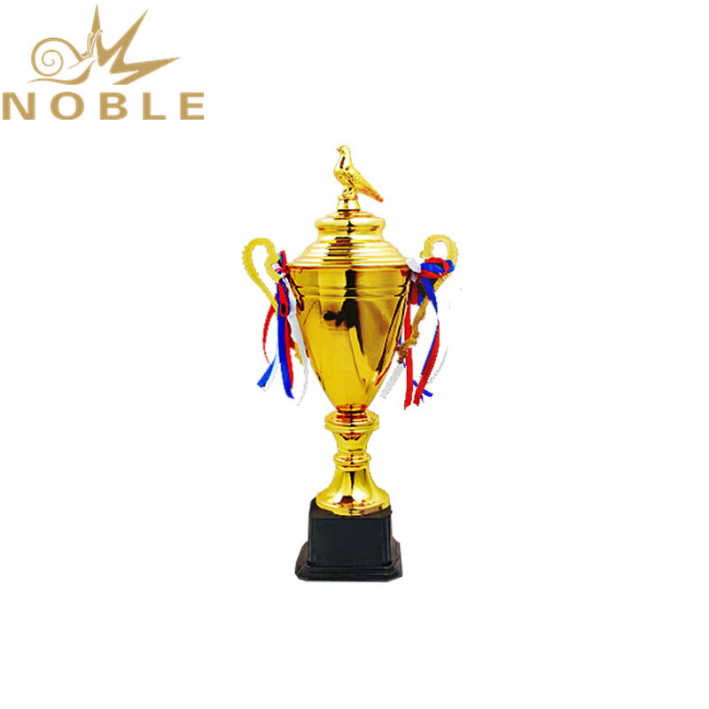 Elegant New Design Custom Metal Cup Trophy with Pigeon Figurine on Top