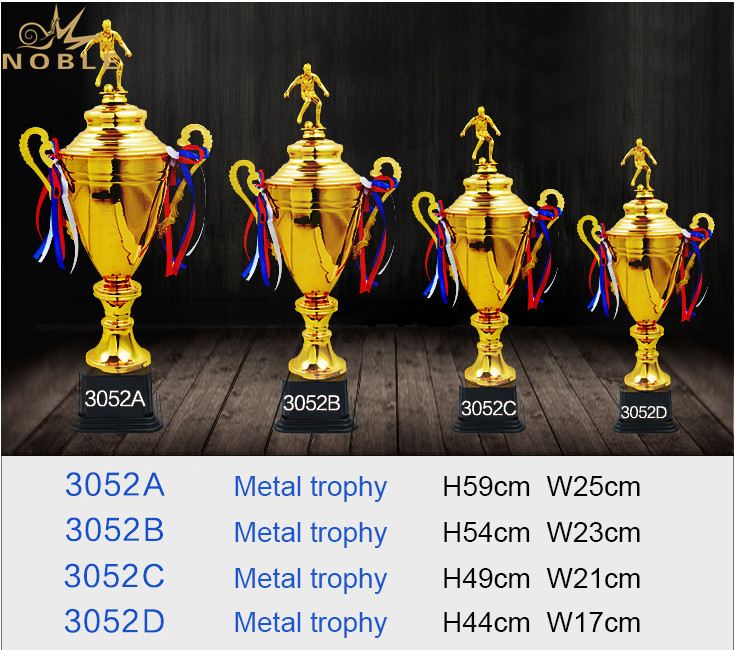 Metal Custom Sports Soccer Cup Trophy with Soccer Player Figurine