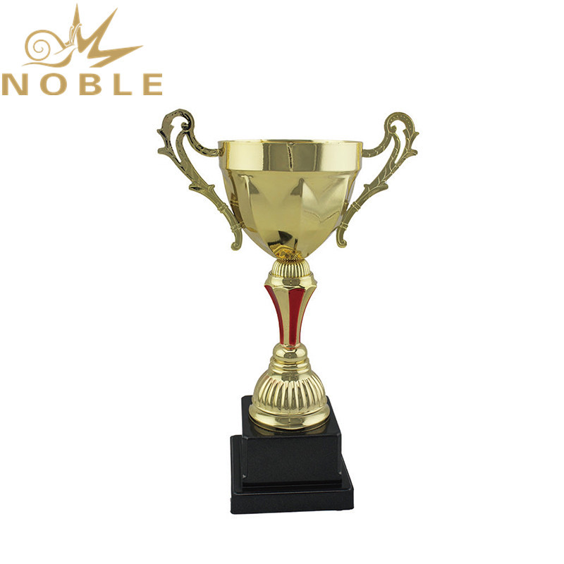 Popular Best Selling Metal Cups Karate Trophy for Champions