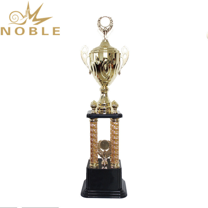Popular New Design Stock Available Metal Four Column Trophy Cups