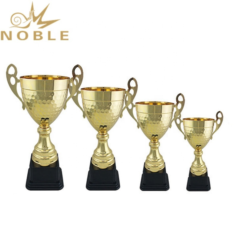 Low Price Best Selling Metal Champion Golf Cup Trophy